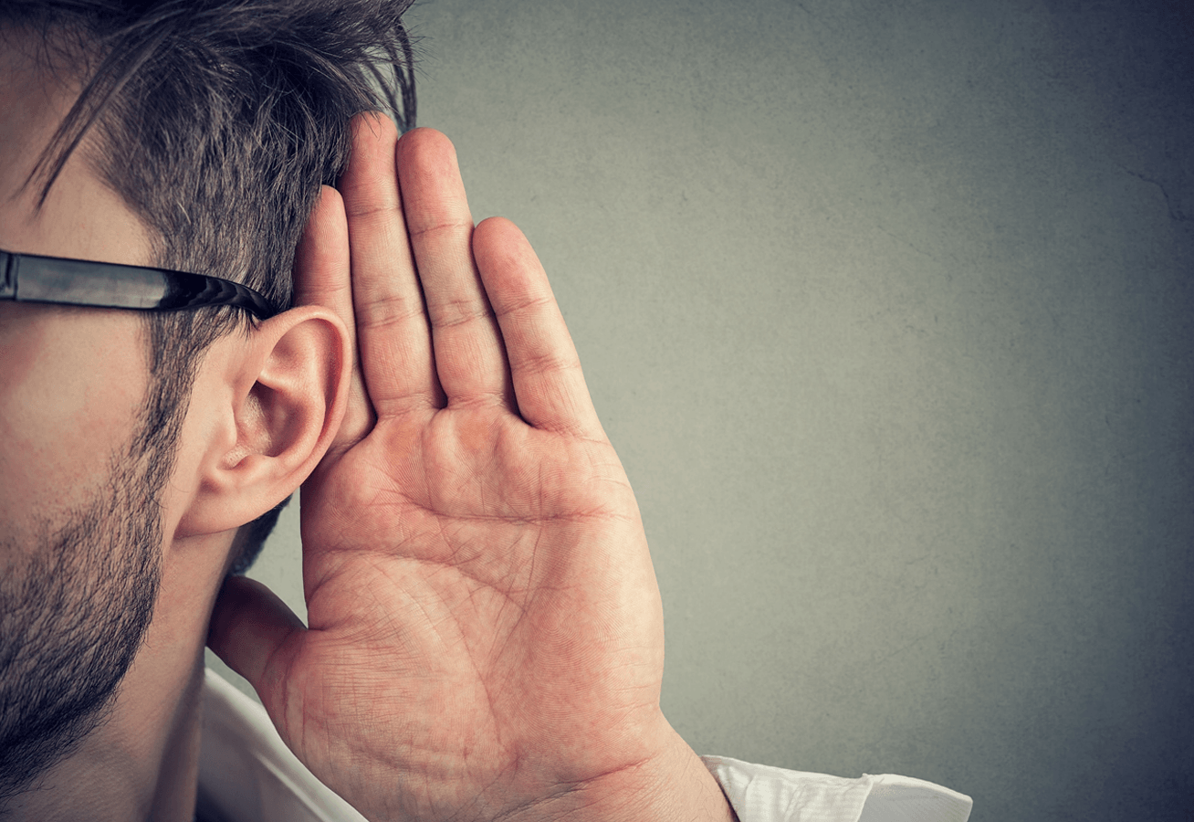 WAYS TO BECOME A BETTER LISTENING PERSON