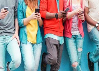 MOBILE PHONES – FIVE WAYS TO CONNECT WITH CUSTOMERS