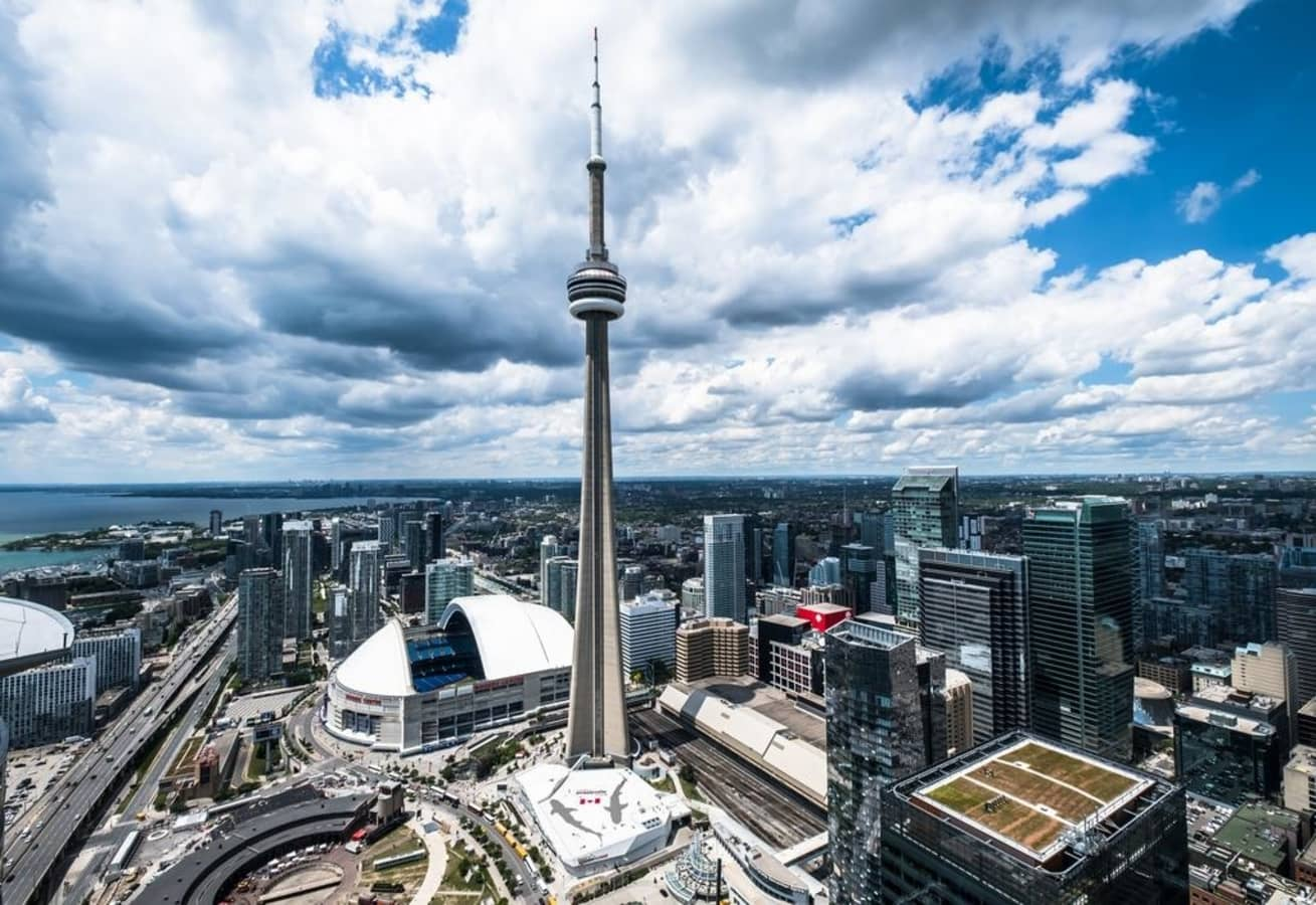 TORONTO REAL ESTATE: WHY IT IS ONE OF THE MOST EXPENSIVE?
